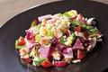 料理メニュー写真海老とキヌアのサラダ