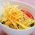 料理メニュー写真特製きんぐサラダ