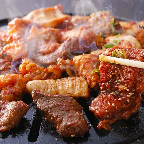 焼肉orしゃぶしゃぶorもつ鍋orすき焼orお鍋+料理食べ放題+飲み放題