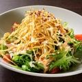 料理メニュー写真カリカリのお芋のっけ明太サラダ