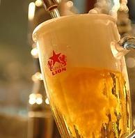 伝統の一度注ぎ生ビール