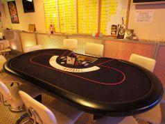カードゲームを中心遊べるテーブル席