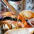 海鮮ぼのぼ自慢の産地直送素材、ぷりっぷりのホタテやサザエなど新鮮浜焼きをご堪能ください!旨みたっぷりの魚介は是非アツアツを☆口に広がる磯の香りがたまりません♪