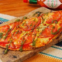 料理メニュー写真トマトとモッツアレラのマルゲリータ