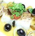 料理メニュー写真桜鯛のアクアパッツァ