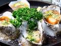 料理メニュー写真殻付き牡蠣(3ヶ)