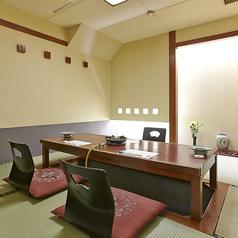 2階4名様用掘り座席個室は接待にはぴったりな個室です。4名様個室3つご用意しております。