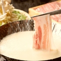 料理メニュー写真黒豚の豆乳鍋