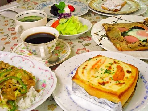 気軽に立ち寄れる洋食屋。リーズナブルなコース料理やランチメニューが豊富に揃う。