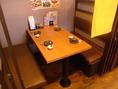 落ち着きのあるテーブル席。