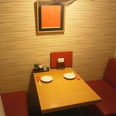 2名様掛けの半個室・テーブル席♪