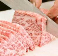 肉職人の丁寧な仕事が光る