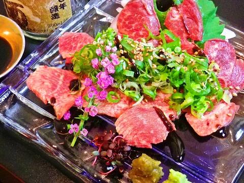 その日に仕入れた食材を目の前で調理。旬の食材を味わえる和食のお店。