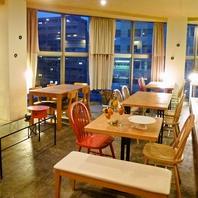 開放感のある店内で美味しい韓国料理はいかが?