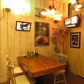 木目を基調としてきれいな店内におしゃれな装飾がより食事を楽しませてくれます♪