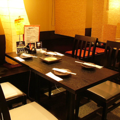 個室風に区切れるテーブル席