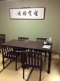 こちらはテーブル席です