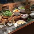 料理メニュー写真サラダバー・スープ・ドリンクバー・チョコタワー・アイスクリーム