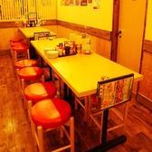 34席あるテーブル席では急な宴会もOK!!活気ある店内では元気なスタッフが一生懸命おもてなしいたします!