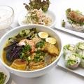 料理メニュー写真豚の角煮と揚げ茄子のフォーとアボカドの生春巻きセット