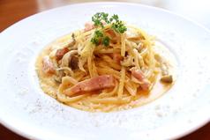 料理メニュー写真ベーコンのカルボナーラ