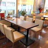 2名~6名様用のテーブル席も御座います。
