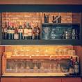 1Fはバーカウンター。夜はバーのように飲みに来る場所としてもご利用いただけます。