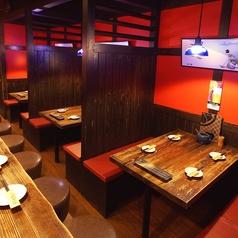 4名様テーブルは3卓ございます♪仕事帰りの気軽な飲み会でも、待ち合わせをしてのご友達との飲み会でもお任せください★