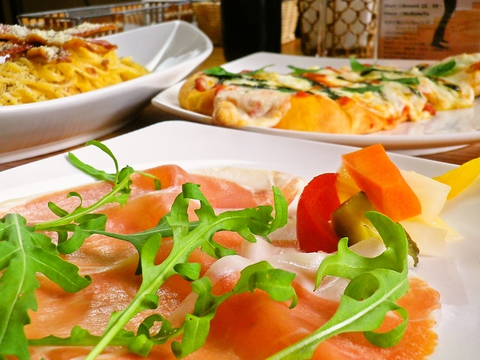 八ヶ岳高原の旬菜、ジビエに海の幸も織り混ぜたイタリアン~和の創作料理を提供。