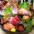 東北商店自慢の刺身の盛り合わせ!季節によって内容は異なりますが、市場直送にて旬で新鮮な魚が味わえます!