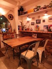 おしゃれな店内、お食事をお楽しみください♪オーナーのこだわりのお店の雰囲気と美味しいお料理を是非お楽しみください☆