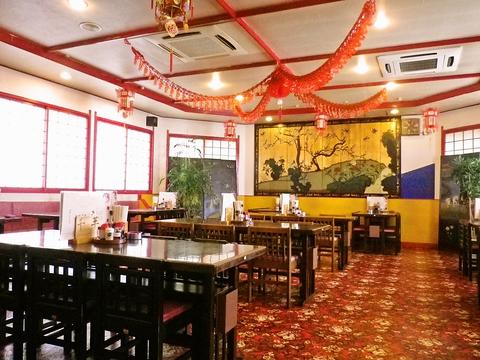 中華の雰囲気満点の店内で、品数豊富な料理の中から、あなた好みの料理を見つけて!