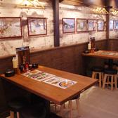 1Fのテーブル席。とんぺら屋自慢の活気のある店内をお楽しみください!※記載以外の席もございます。お気軽にお問合せください。