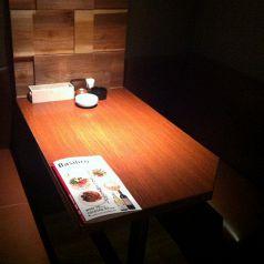 店内唯一のテーブル席でのカップルシート♪【誕生日・記念日特典】大切な方へ...♪デザートプレートサービス!(クーポン利用時)