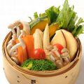 料理メニュー写真彩り8種野菜