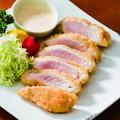 料理メニュー写真マグロのレアカツ 自家製タルタルソース