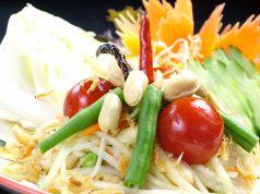 料理メニュー写真ソムタム・タイ(青パパイヤのサラダ)(タイ)