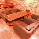 1席限定のソファー席は女子会にオススメ♪人気の席なのでご予約はお早めに!