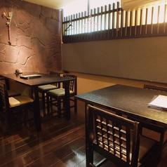 少人数でのお食事にはテーブル個室が便利です。