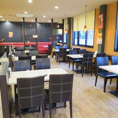 フォーシーズン ミラン 小戸店 インド料理の雰囲気1