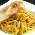 料理メニュー写真カニ味噌たっぷりズワイガニのトマトパスタ