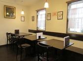 2名用・4名用テーブルなど人数に応じて配置可能。