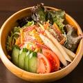 料理メニュー写真人気のコンビネーションサラダ