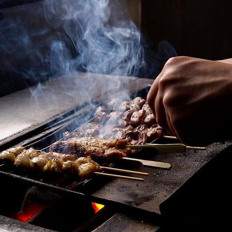 朝引き「京赤地鶏」を使用した炭火焼鳥専門店