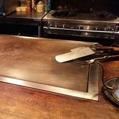 オープンキッチンのカウンター席で、料理の風景を見ながら、ワクワクドキドキを味わえる。