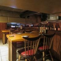 2階席は4席×2のプライベート空間。