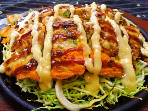 広島風と関西風のお好み焼きが両方味わえる!ランチや焼きめし&焼きそばも人気。