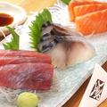 料理メニュー写真おまかせ刺身(三種盛)