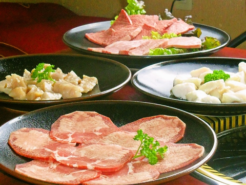 全室個室の焼肉店。A3ランク以上の肉がリーズナブルな価格で楽しめると人気。