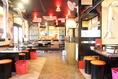 リニューアルした店内は、清潔感あふれる広々とした空間。全席に換気口を完備!